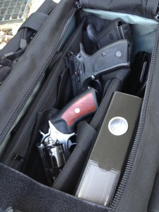 """""""Sicherheitshinweis: Lassen Sie Ihr Gepäck nicht unbeaufsichtigt."""""""